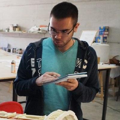 Juan Carlos, Técnico Superior de Edificación